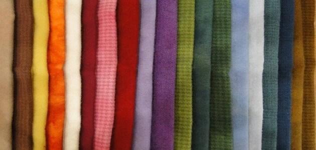 1610533885073 - كيف أنسق ألوان ملابسي .. اليك أبرز الطرق ٢٠٢١