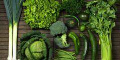 أهمية و فوائد الخضروات الورقية على جسم الانسان