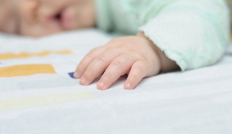 متلازمة موت الرضيع المفاجئ : الأسباب والاحتياطات