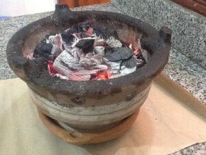 مغربي 300x225 - من المطبخ المغربي : طاجين اللحم بالبرقوق