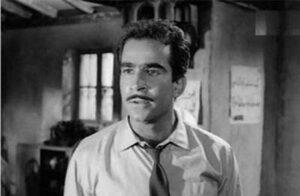 4 300x196 - من ممثل مشهور إلى متشرد في الشوارع : الحكاية الحزينة للمثل عبد العزيز مكيوي