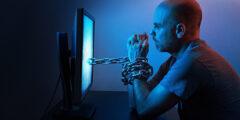 مخاطر مواقع التواصل الاجتماعي