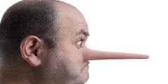 علامات تدل أن الشخص الذي أمامك يكذب