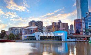Sea Life Melbourne Aquarium Front 300x180 - أبرز الأنشطة السياحية والرفيهية في أكورايوم سي لايف ميلبورن