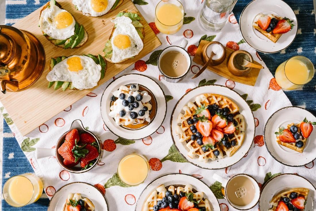 photo 1504754524776 8f4f37790ca0 - 9 أغذية لفطور سيغير حياتك