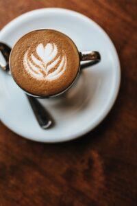 photo 1561047029 3000c68339ca 200x300 - فوائد القهوة ( لن تندم على اختيارها بعد اليوم )