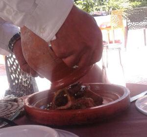 2 300x280 - من المطبخ المغربي : الطنجية المراكشية