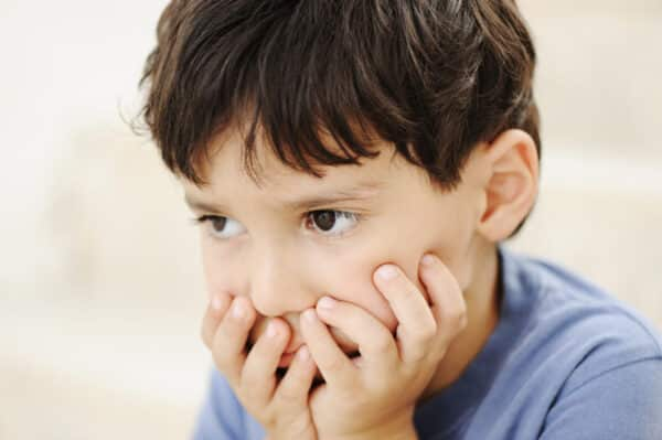 بين الطفل الطبيعي والمتوحد 2 e1615822195665 - الفرق بين الطفل الطبيعي والمتوحد