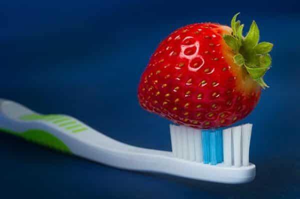 تبيض الاسنان e1615745292999 - خلطة تبيض الاسنان