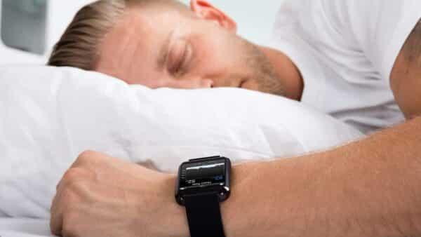 تزداد ضربات القلب عند النوم 2 e1615834927678 - لماذا تزداد ضربات القلب عند النوم