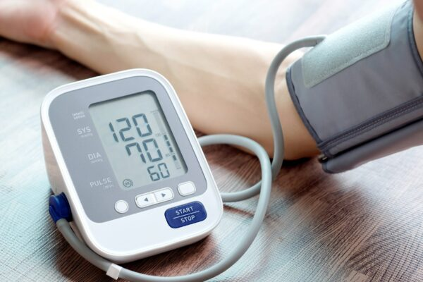 جهاز قياس الضغط 1 e1615132686676 - افضل جهاز قياس الضغط ومواصفاته