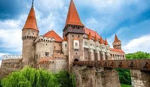 القلاع الأوروبية من اشهرالمعالم الاثريةفي العالم