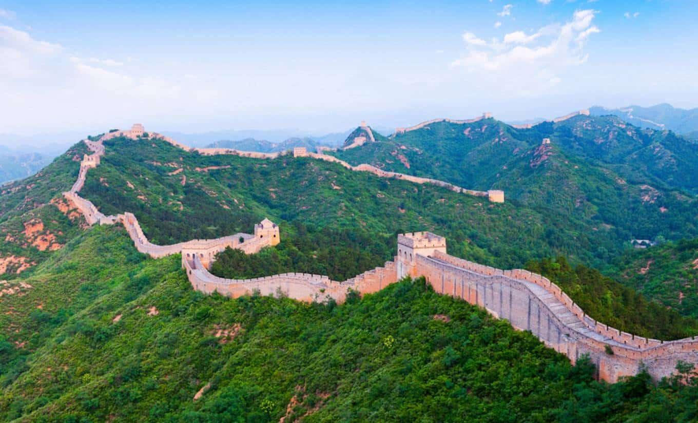 سور الصين العظيم من اشهرالمعالم الاثريةفي العالم