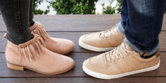 تعرفي على الطريقة الصحيحة لتلميع حذاء الشامواه