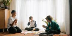 كيف أخلق أجواء التسلية للأطفال داخل المنزل
