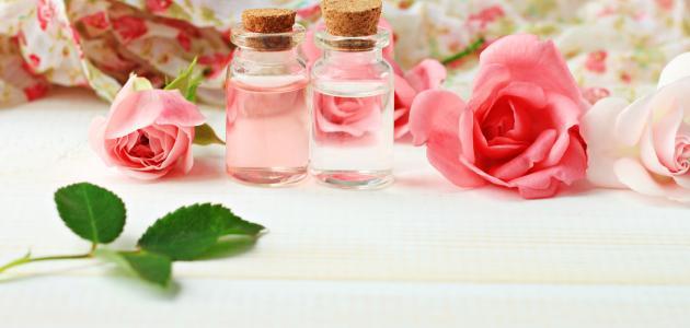 هل جربتي ماء الورد لحب الشباب ؟