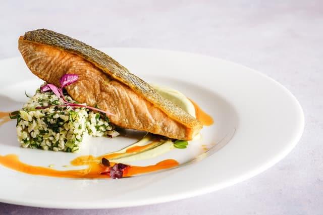 وصفات لطهي السمك بطريقة صحية.. إليكم أهم الطرق لإعداد طبق سمك شهي وصحي