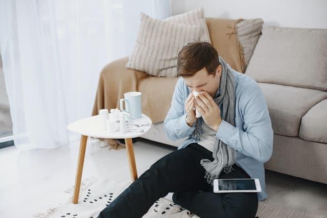 طرق علاج نزلات البرد بالمنزل.. إليك 10 أشياء موجودة بمنزلك
