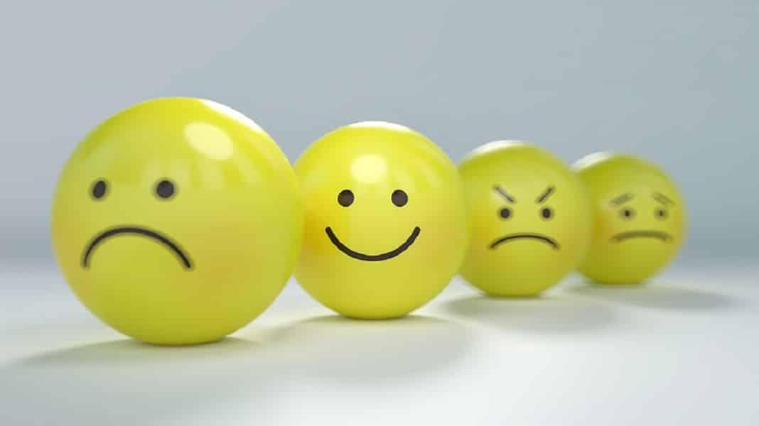 وداعاً للاكتئاب والحزن مع أبرز طرق تحسين المزاج
