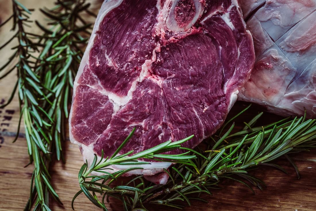 photo 1448907503123 67254d59ca4f - ماذا تعرف عن اللحوم الحمراء (حقائق سوف تصدمك)